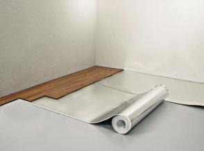 Поставяне на Floor Komfort ролка с ал. фолио
